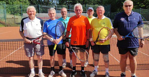 Tennis-Herren 70 noch gut in Form